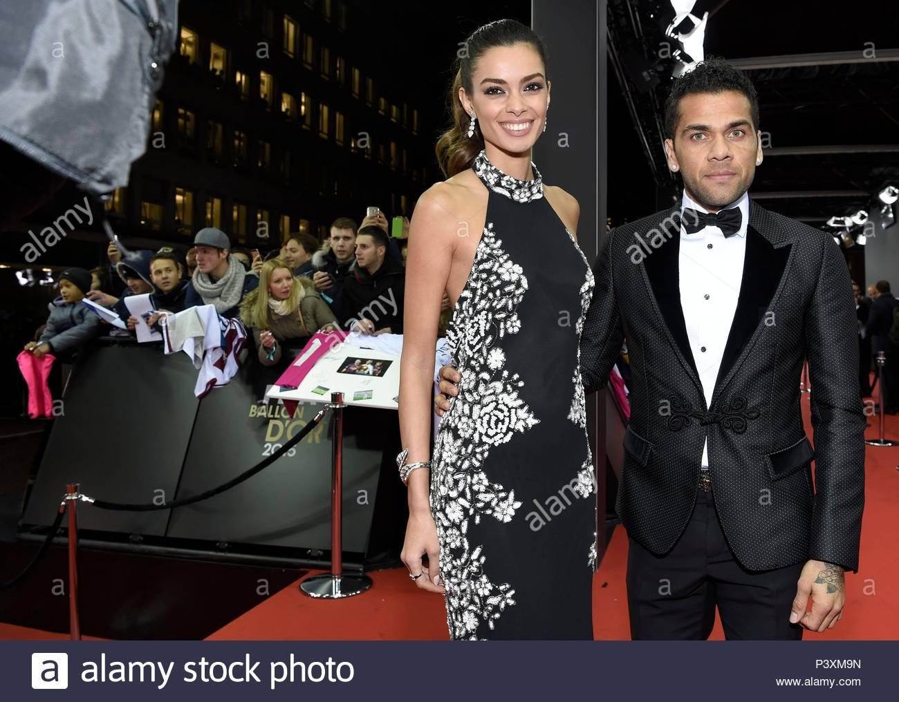 Dani Alves and wife. FIFA Ballon d'Or Gala 2015 at the Kongresshaus in Zurich.  BALLON DOR 2015 - Stock Image