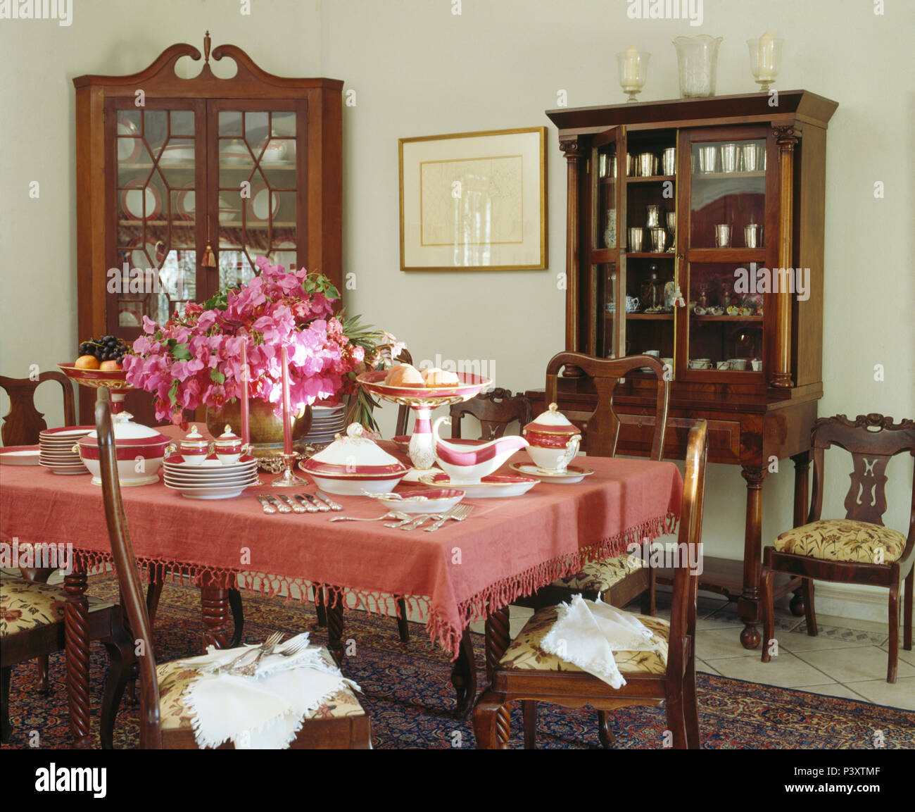 Elegant Vase Of Pink Flowers On Table With Pink Cloth Fset Or Lunch In Traditional  Portuguese Dining