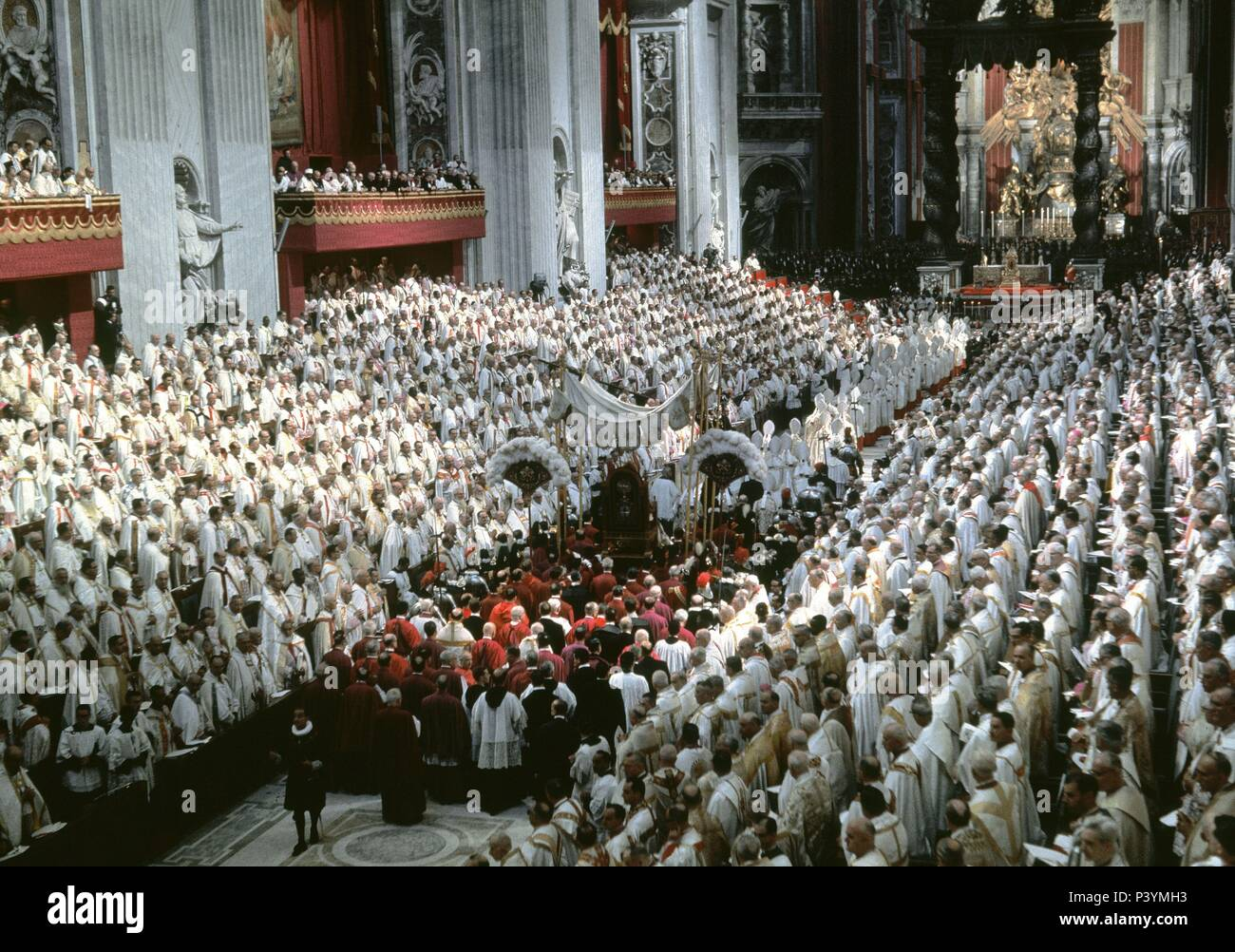 Véronique lévy dénonce le clonage, le Meshom dans le Kadosh hakadesh The-second-vatican-council-october-11-1962-december-8-1965-vatican-saint-peters-basilica-of-rome-location-basilica-de-san-pedro-interior-P3YMH3