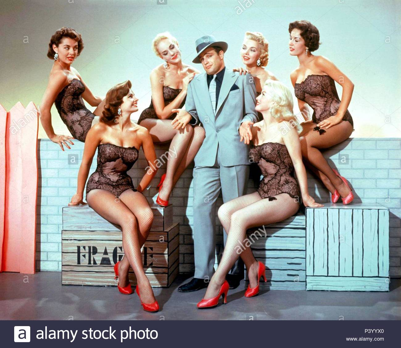 Original Film Title: GUYS AND DOLLS.  English Title: GUYS AND DOLLS.  Film Director: JOSEPH L. MANKIEWICZ.  Year: 1955.  Stars: MARLON BRANDO. Credit: M.G.M/SAMUEL GOLDWYN / Album - Stock Image