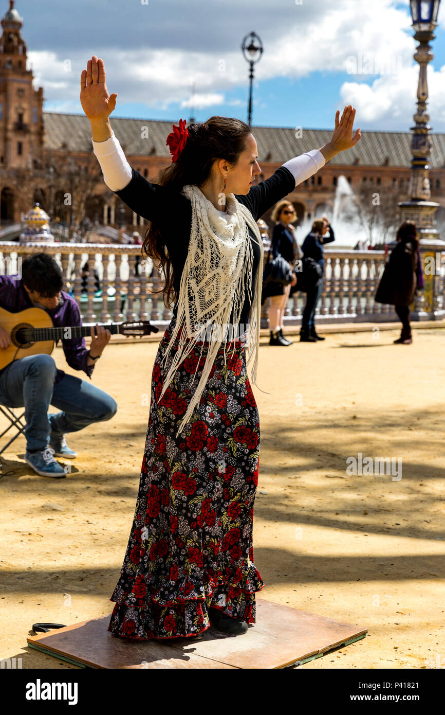 Spanish flamenco dancer, Plaza de Espana, Seville, Andalusia, Spain. Stock Photo