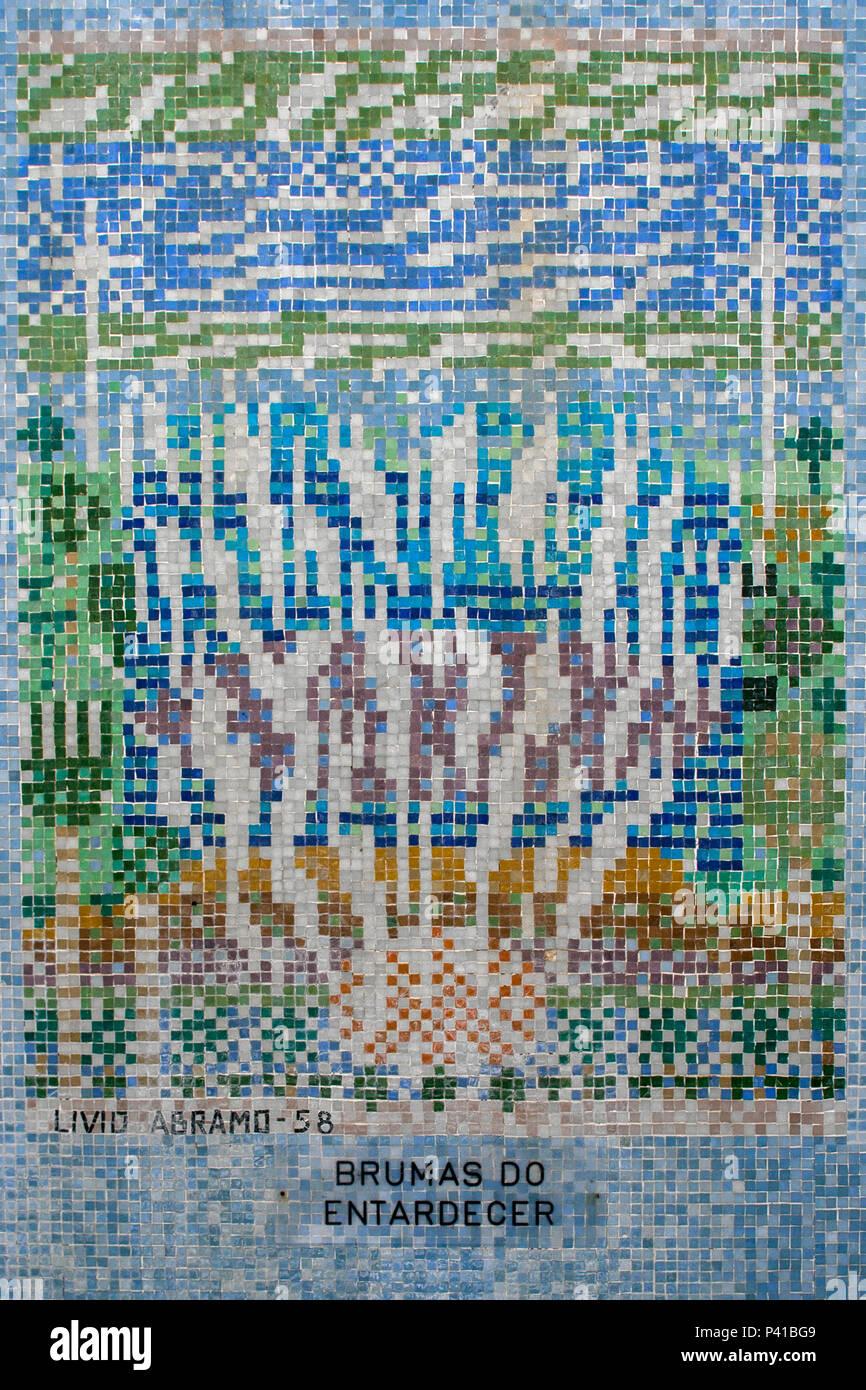 Mosaico de Livio Abramo; Mosaico no piso do Balneário de Águas de Lindoia; mosaicos com pedras portuguesas; mosaico de pastilha vítrea; Águas de Lindoia; Livio Abramo; data 2008-11-21 Stock Photo