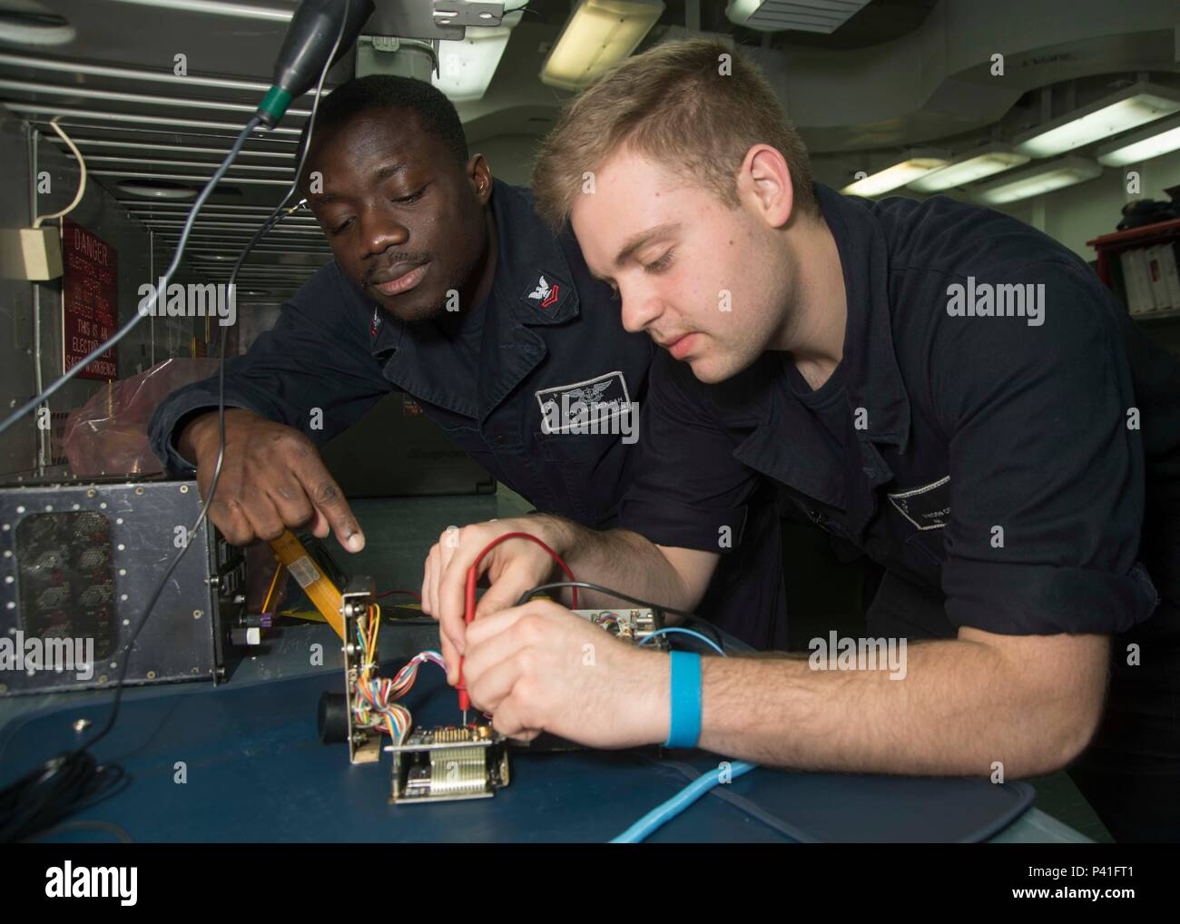 160602 Stock Photos Images Alamy Control Panel Wiring Jobs N Gz228 031 Gulf Of Aden June 2 2016