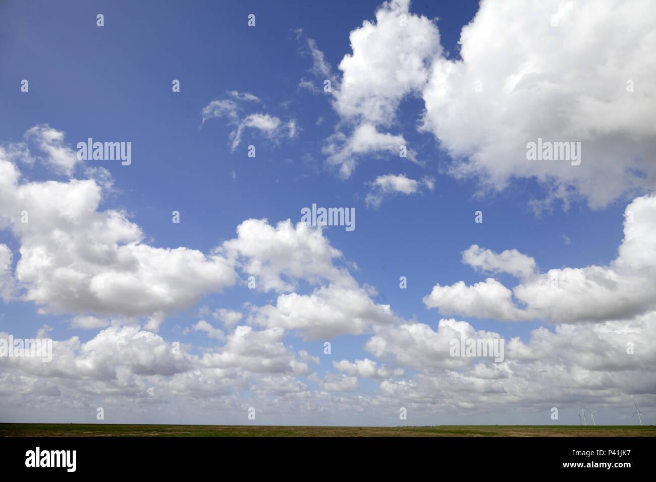Soenke-Nissen-Koog, Germany, cloud sky at Soenke-Nissen-Koog in ...