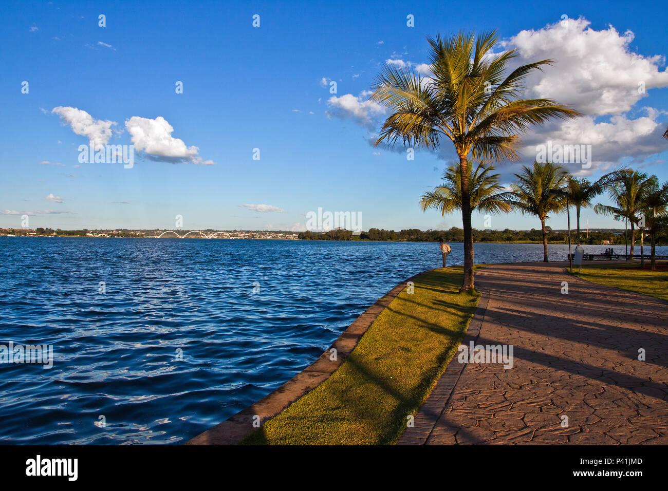 Brasília - DF Lago Paranoá lago artificial de Brasília lago águas represadas do Rio Paranoá Brasília Distrito Federal Centro Oeste - Stock Image
