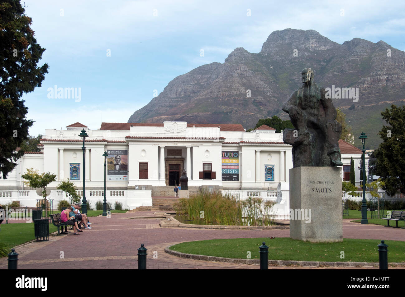 A modern statue of Jan Smuts stands outside the South African National Gallery, South Africa's premier art museum, in Cape Town, South Africa. - Stock Image
