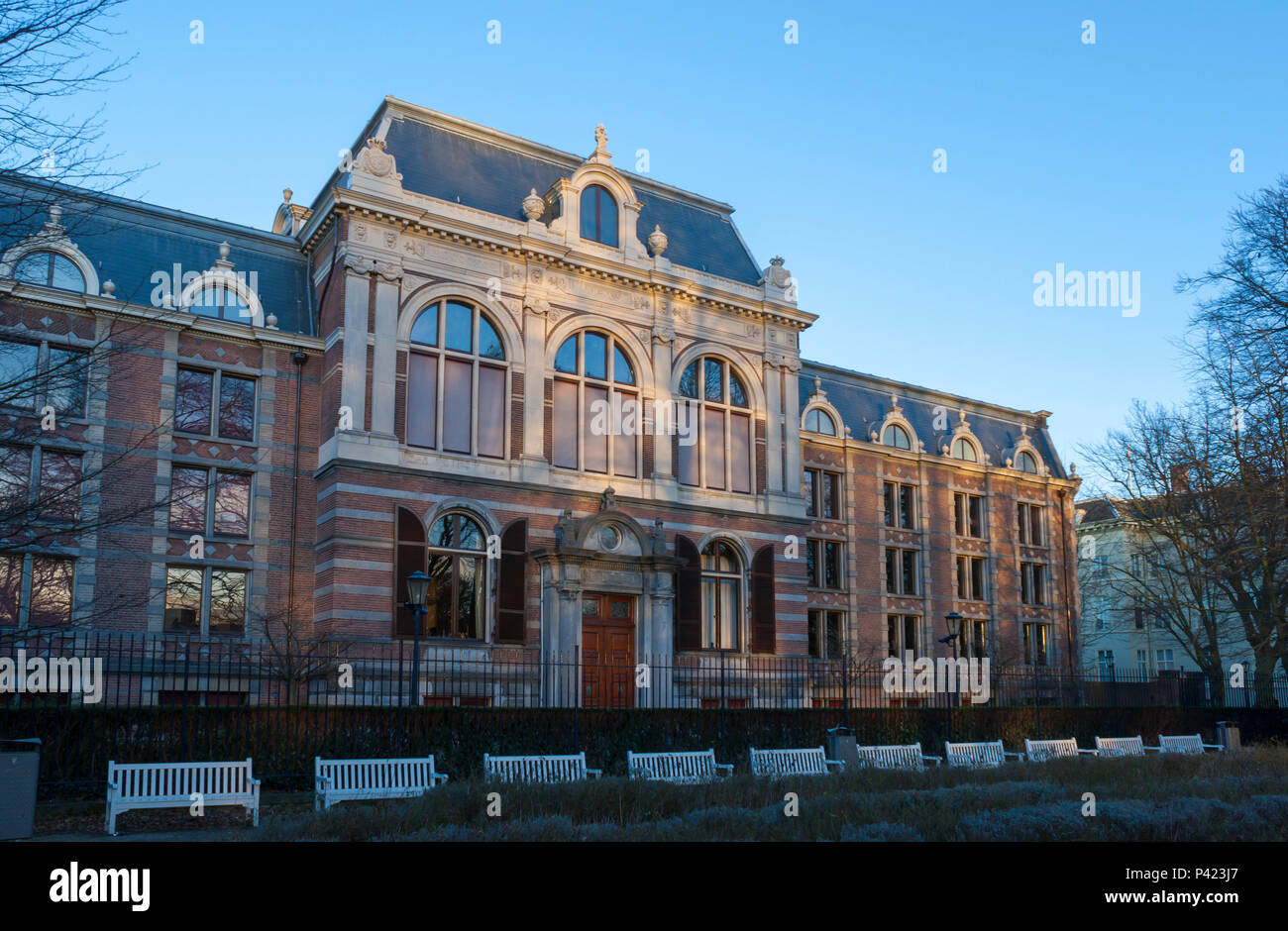 The neoclassical mansion housing the Royal Collections of the Netherlands. Koninklijke Verzamelingen, Den Haag, Netherlands Stock Photo