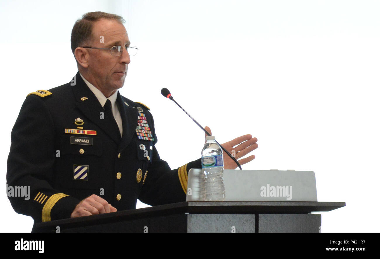 Gen. Robert B. Abrams. commander, U.S. Army Forces Command, speaks at the Association of the United States Army-sponsored Army Force Projection & Sustainment hot topics forum at Arlington, Va., June 2, 2016. - Stock Image