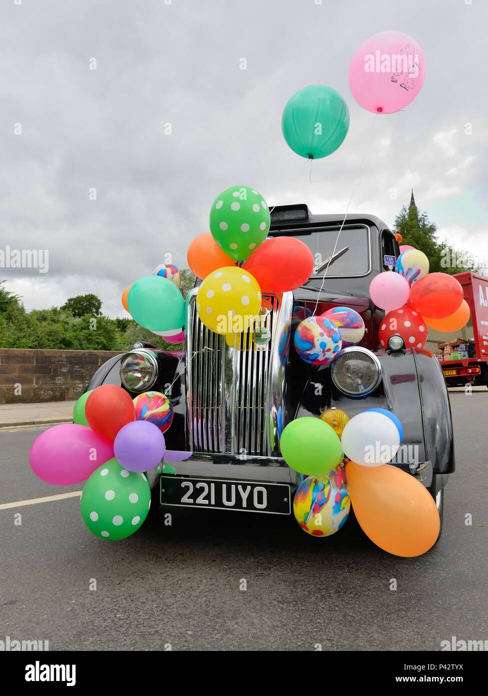 Glasgow, Scotland, UK. 20th, June, 2018. Taxi drivers today decorated their cabs for the annual Taxi run taking disabled children on a day trip to Troon in Ayrshire. Stock Photo