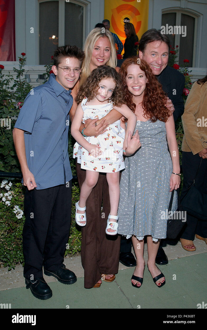 https://c8.alamy.com/comp/P436BT/john-ritter-kaley-cuoco-martin-spangers-amy-davidson-and-stella-ritter-arriving-at-the-party-for-the-2002-abc-summer-press-tour-all-star-at-the-tournament-house-in-pasadena-los-angeles-july-18-2002-8simplesrules-cast25jpg8simplesrules-cast25-event-in-hollywood-life-california-red-carpet-event-usa-film-industry-celebrities-photography-bestof-arts-culture-and-entertainment-topix-celebrities-fashion-best-of-hollywood-life-event-in-hollywood-life-california-red-carpet-and-backstage-movie-celebrities-tv-celebrities-music-celebrities-topix-actor-P436BT.jpg