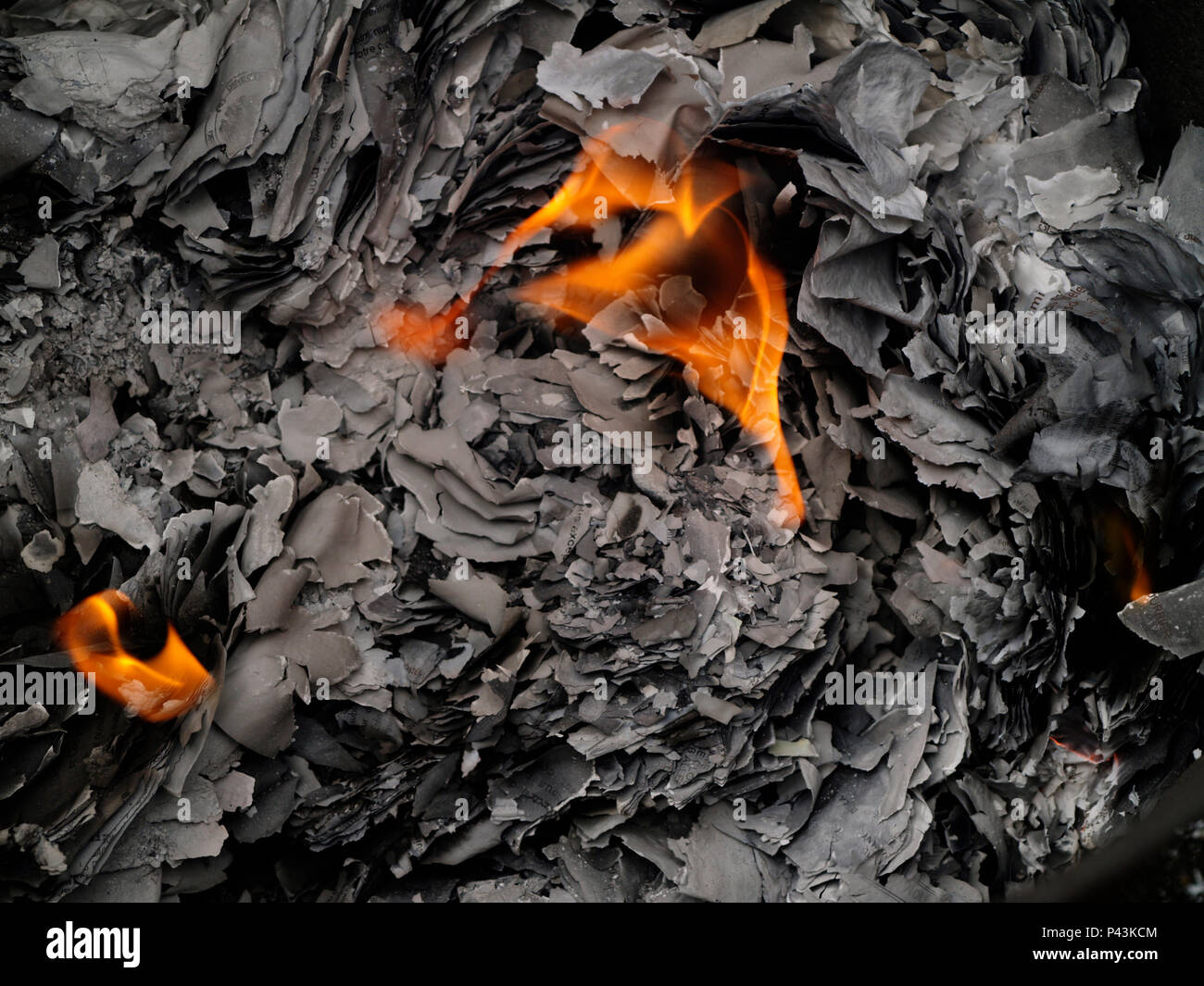 Feu De Beaumont burning papers - papers ashes - flames - fire - papiers en feu