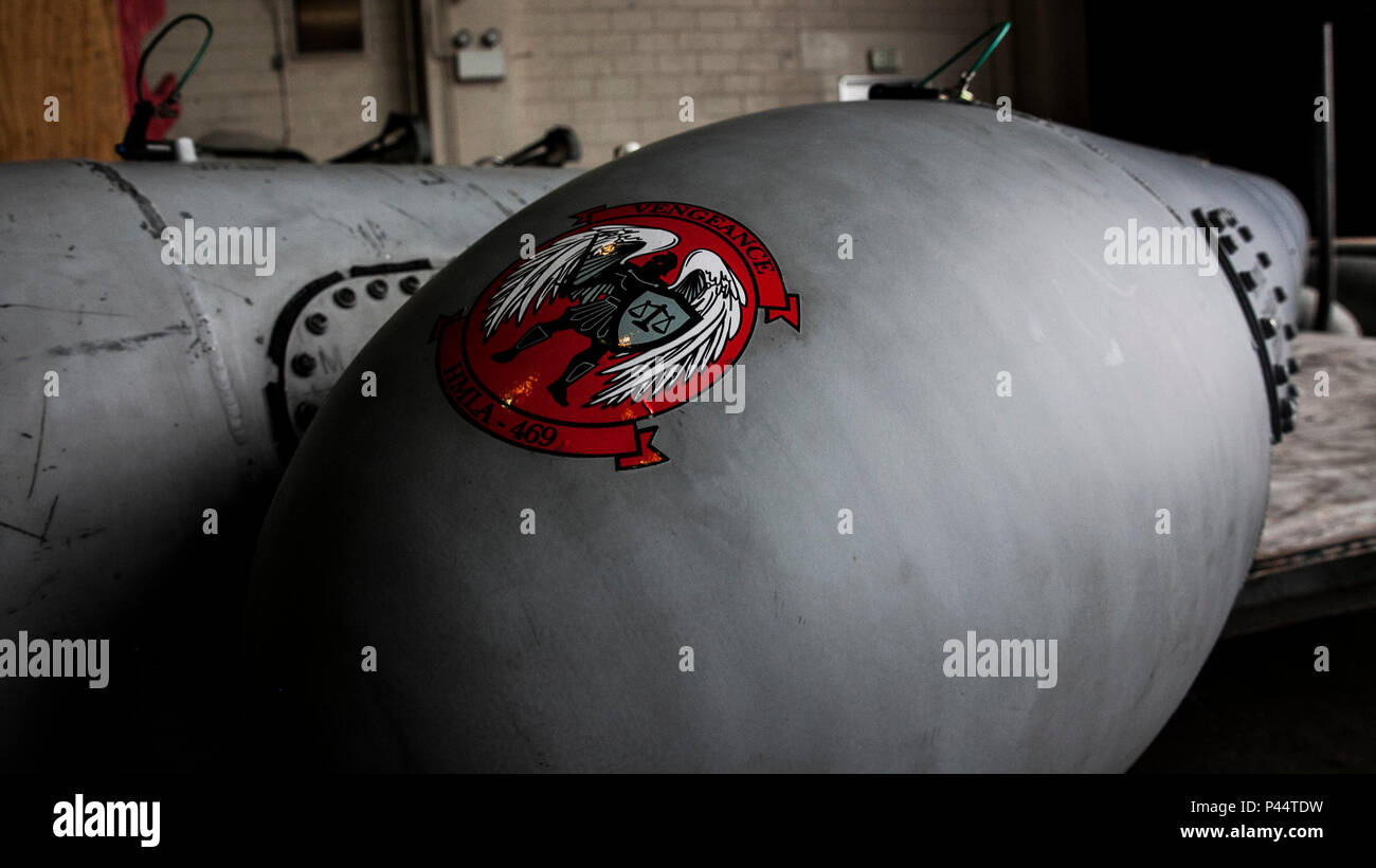 Wing Tanks Stock Photos & Wing Tanks Stock Images - Alamy
