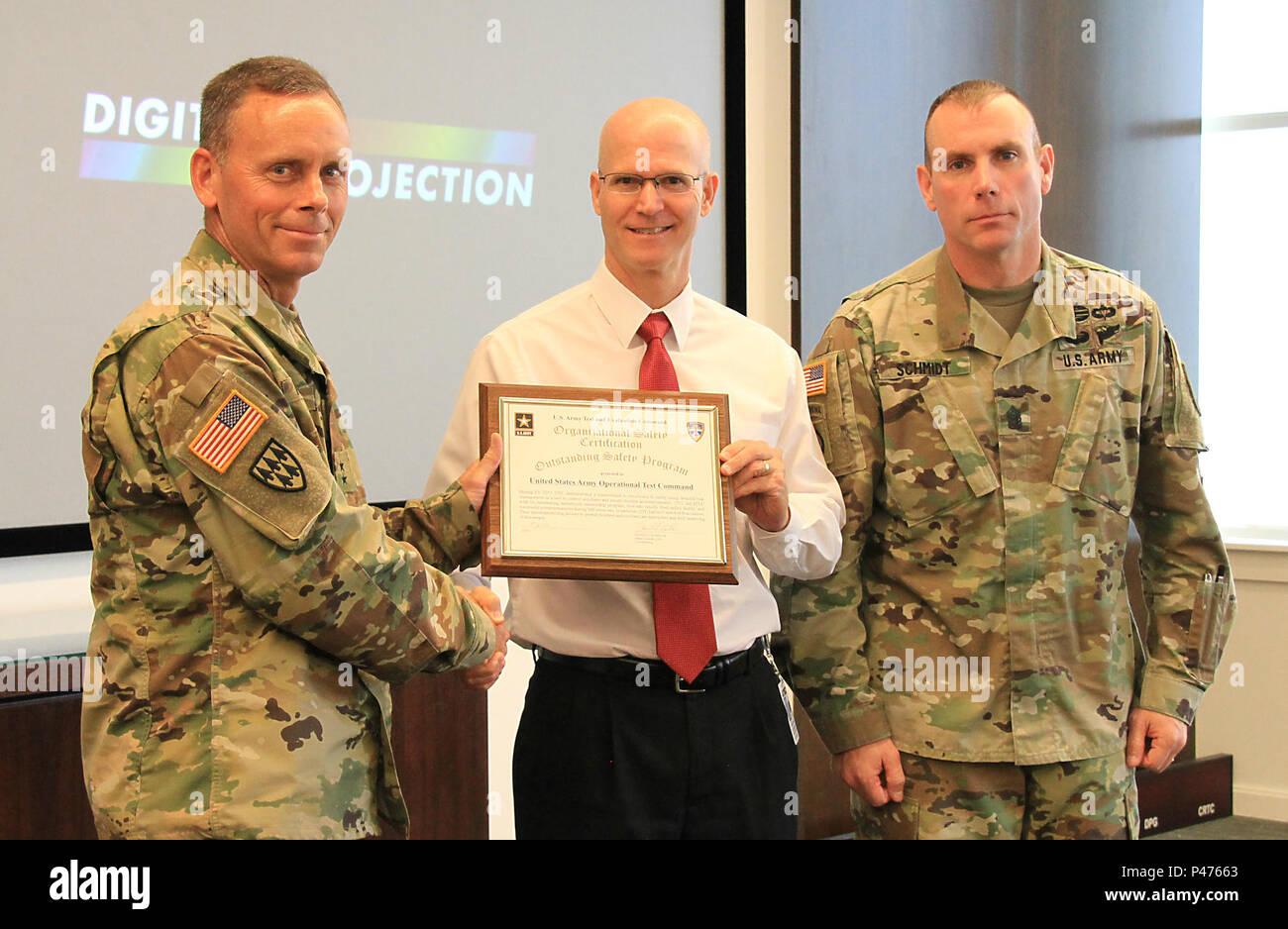 Maj Gen Daniel L Karbler Left Commander Of Us Army Test And