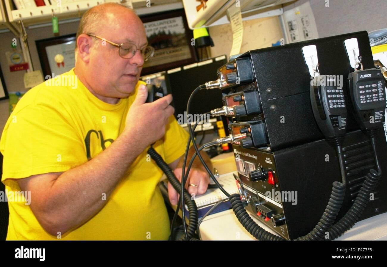 Retired Senior Chief Information System Technician Lee
