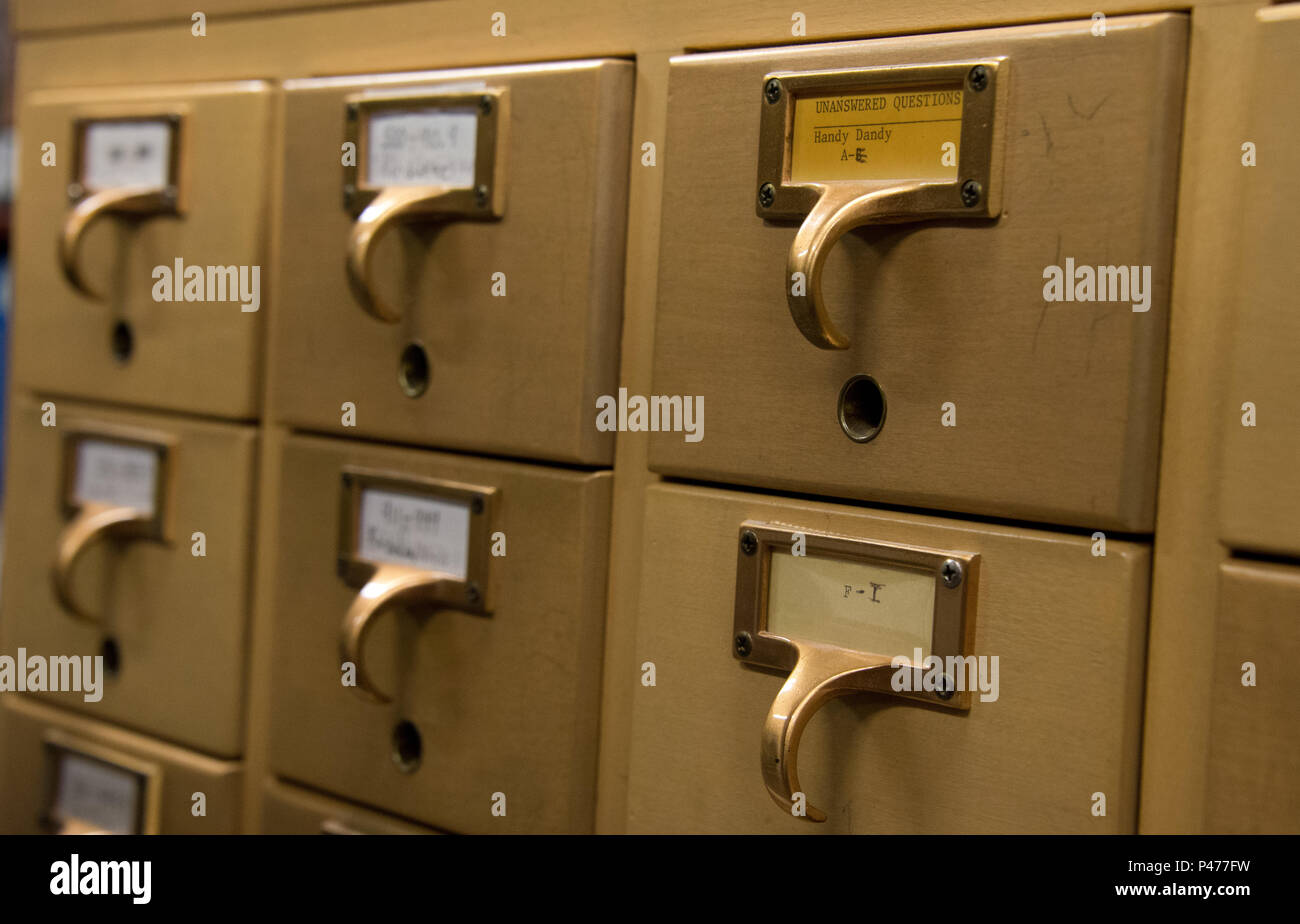 Maxwell AFB, Ala. - Photos of the antique card catalog at Fairchild Research Information Center, Jun 21, 2016.  (US Air Force photo by Melanie Rodgers Cox/Released) - Stock Image