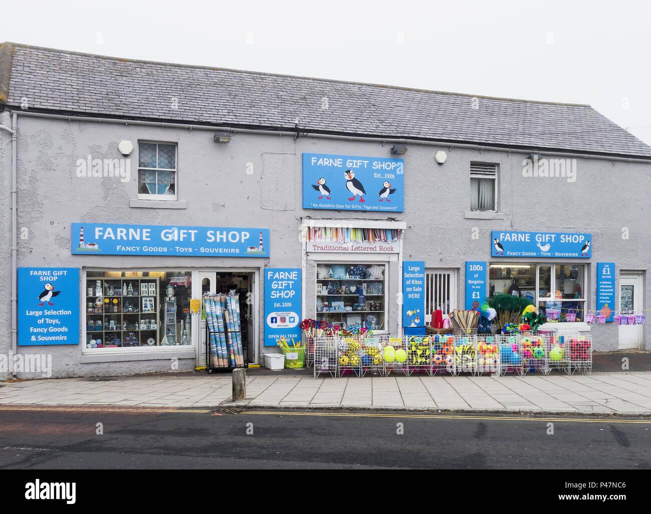 Traditional seaside gift shop at Seahouses, Northumberland, UK - Stock Image