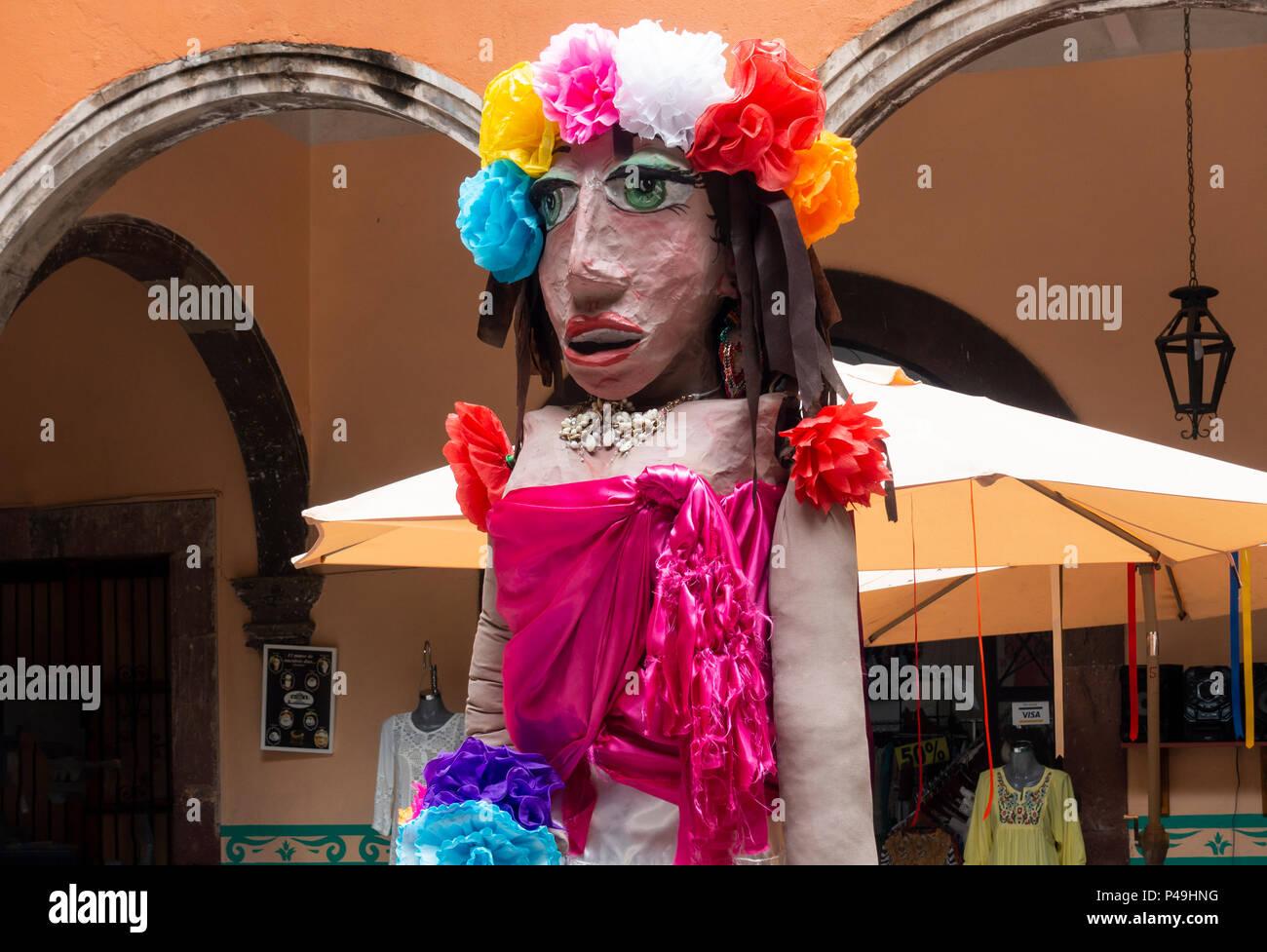Mojigangas, a giant paper mâché puppet in San Miguel de Allende - Stock Image