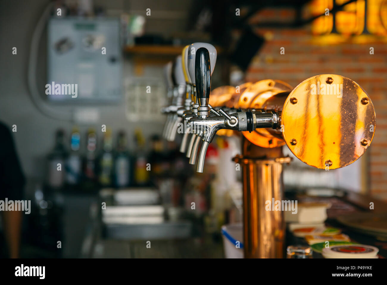 Entzuckend Closeup Bar Beer Pipe Tap In Modern Pub And Restuarant.