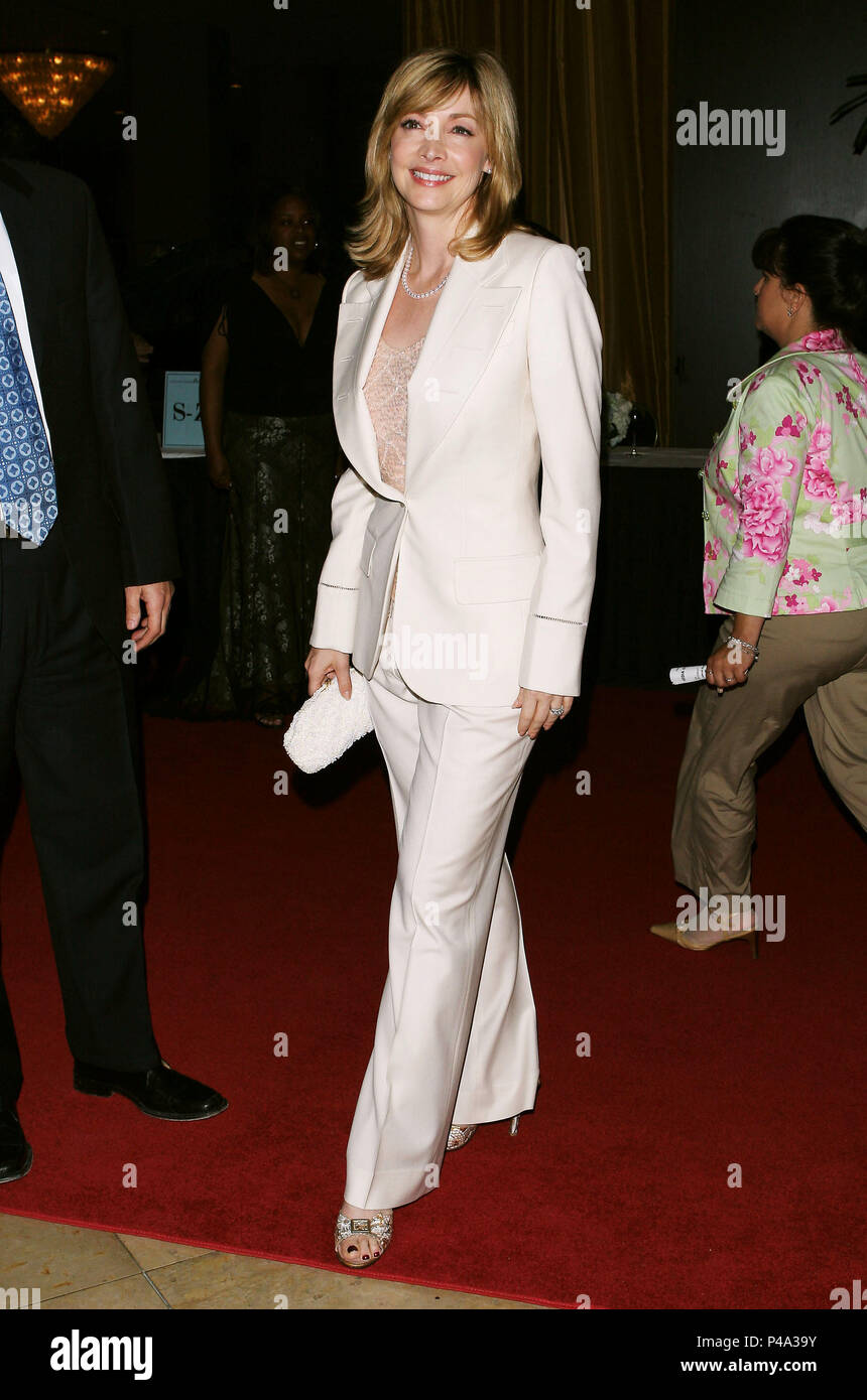 Sharon Lawrence Arriving At The Covenant With Youth Dinner At The