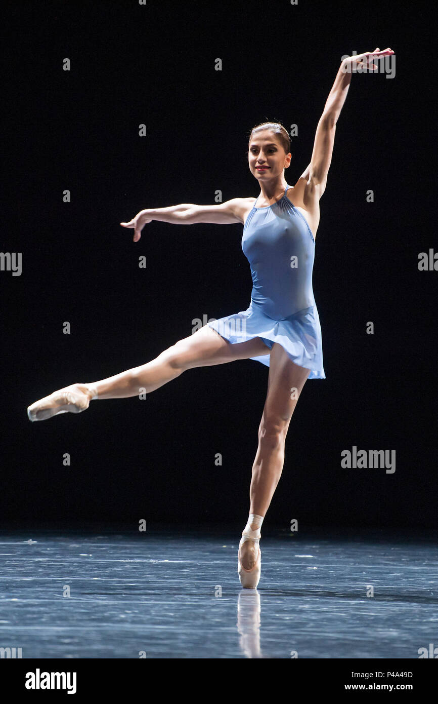 London, UK. 20th June, 2018. Neue Suite with Alice Mariani and Thomas Bieszka to Handel - Semperoper Ballett's All Forsythe at Sadler's Wells, London Credit: Guy Bell/Alamy Live News - Stock Image