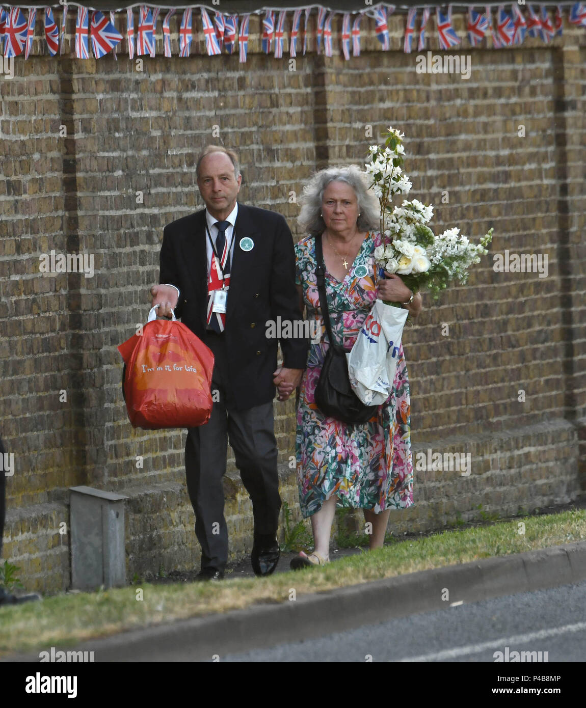 guests attending the wedding reception of prince harry and meghan markle featuring guests where datchett berkshire united kingdom when 19 may 2018 credit steve finn wenn stock photo alamy https www alamy com guests attending the wedding reception of prince harry and meghan markle featuring guests where datchett berkshire united kingdom when 19 may 2018 credit steve finnwenn image209231366 html