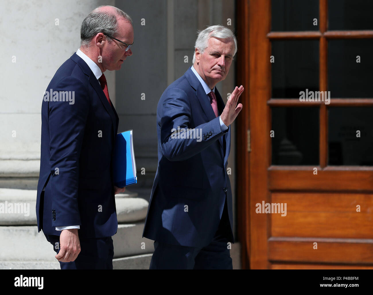 Michel Barnier, EU Chief Negotiator for Brexit, (right) with