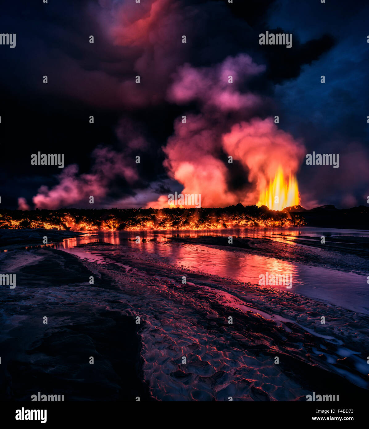 Glowing lava from the eruption at the Holuhraun Fissure, near the Bardarbunga Volcano, Iceland. August 29, 2014, a fissure eruption started in Holuhraun at the northern end of a magma intrusion, which had moved progressively north, from the Bardarbunga volcano. Sept 2, 2014 - Stock Image