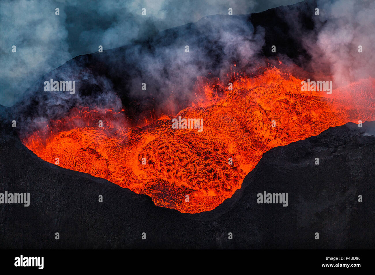 Aerial view of lava flow. August 29, 2014 a fissure eruption started in Holuhraun at the northern end of a magma intrusion, which had moved progressively north, from the Bardarbunga volcano. Bardarbunga is a stratovolcano located under Vatnajokull, Iceland's most extensive glacier. Picture Date: October 30, 2014 - Stock Image