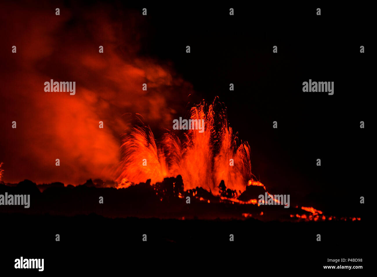 Lava fountains at night, eruption at the Holuhraun Fissure, near the Bardarbunga Volcano, Iceland. August 29, 2014 a fissure eruption started in Holuhraun at the northern end of a magma intrusion, which had moved progressively north, from the Bardarbunga volcano. Picture Date-Sept. 2, 2014 Stock Photo