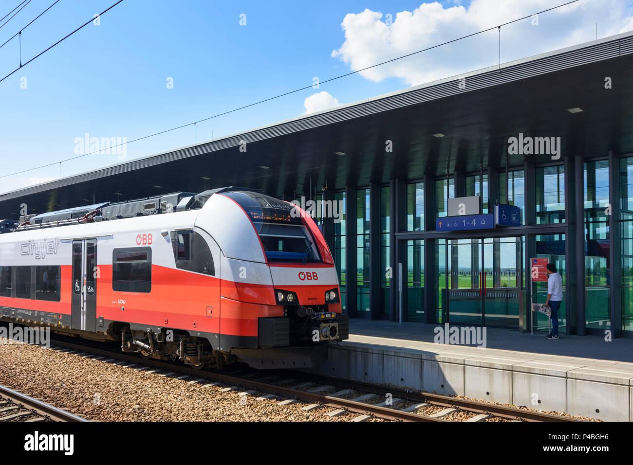 Langenrohr, train Cityjet of ÖBB at railway station Tullnerfeld, Wienerwald (Vienna Woods), Niederösterreich, Lower Austria, Austria - Stock Image