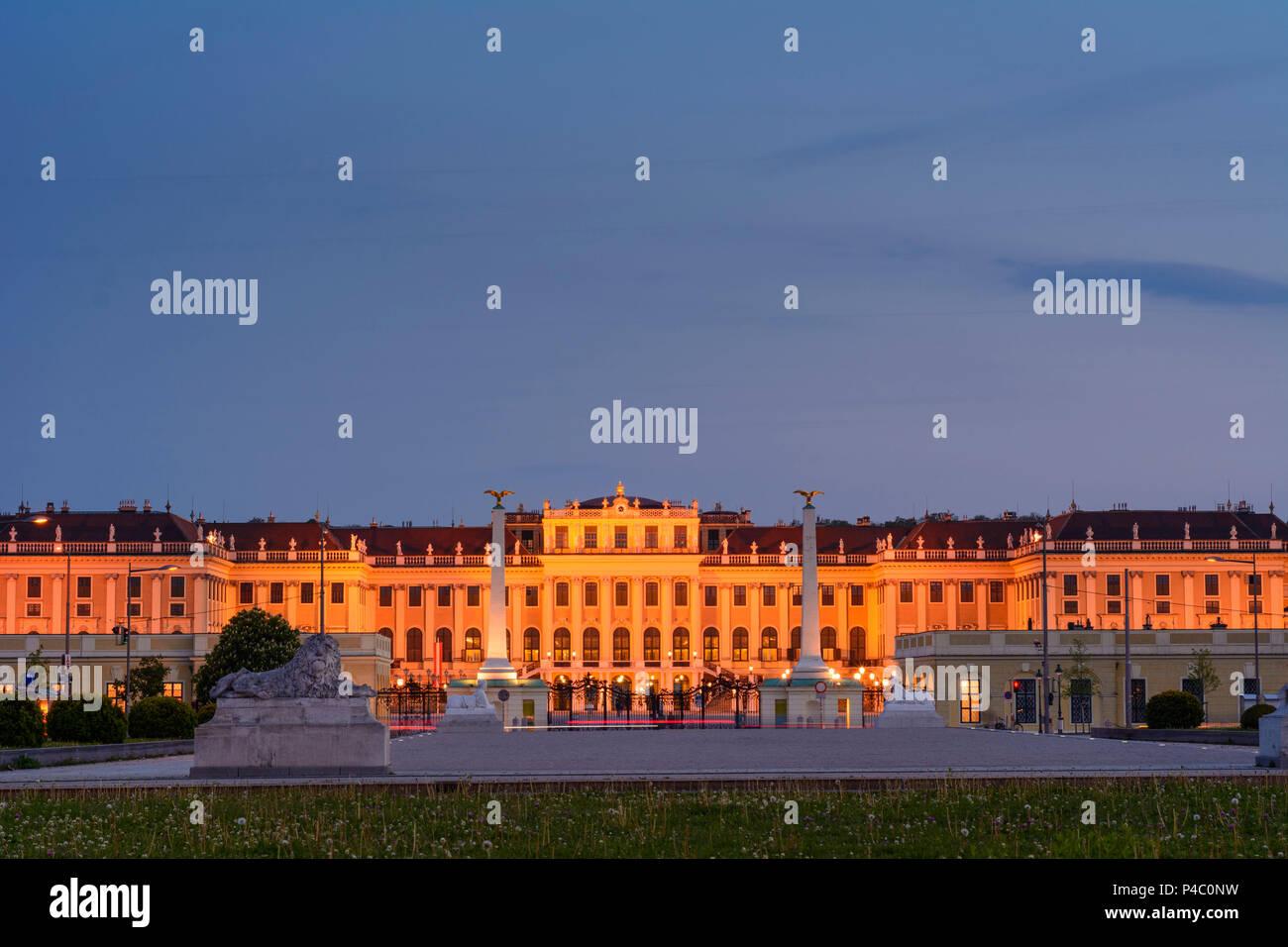 Vienna, castle Schönbrunn Palace Schloss from outside main entrance, 13. Hietzing, Wien, Austria - Stock Image