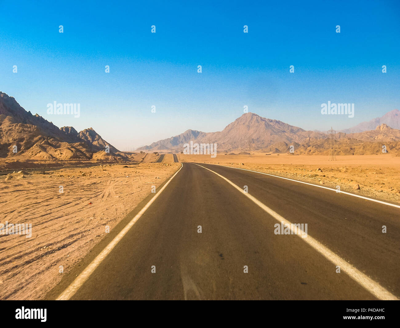road to Colored Canyon, near Mount Sinai and Nuweiba, Sinai Peninsula in Egypt. - Stock Image