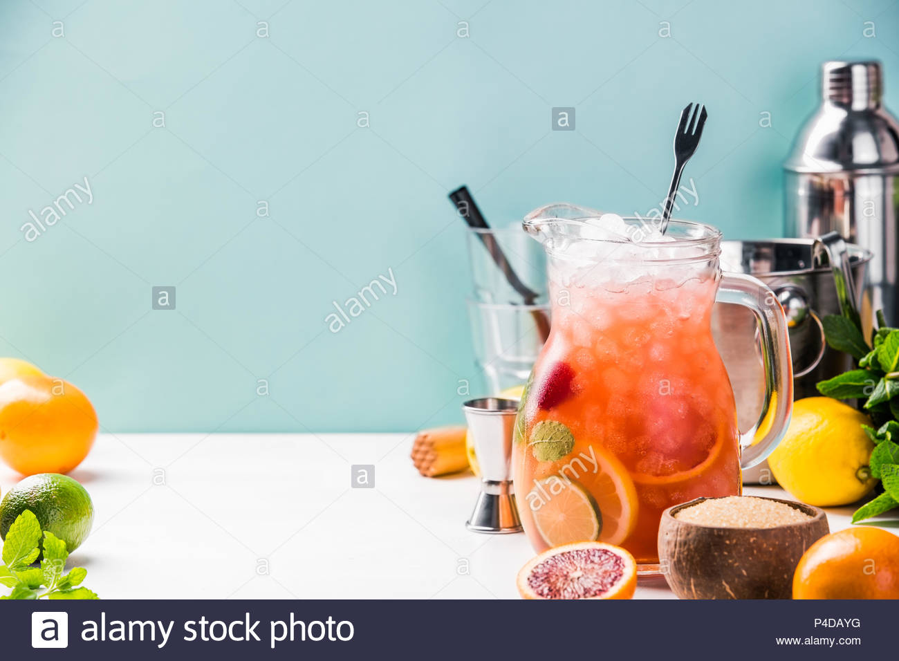Summer drink and citrus fruits - Stock Image