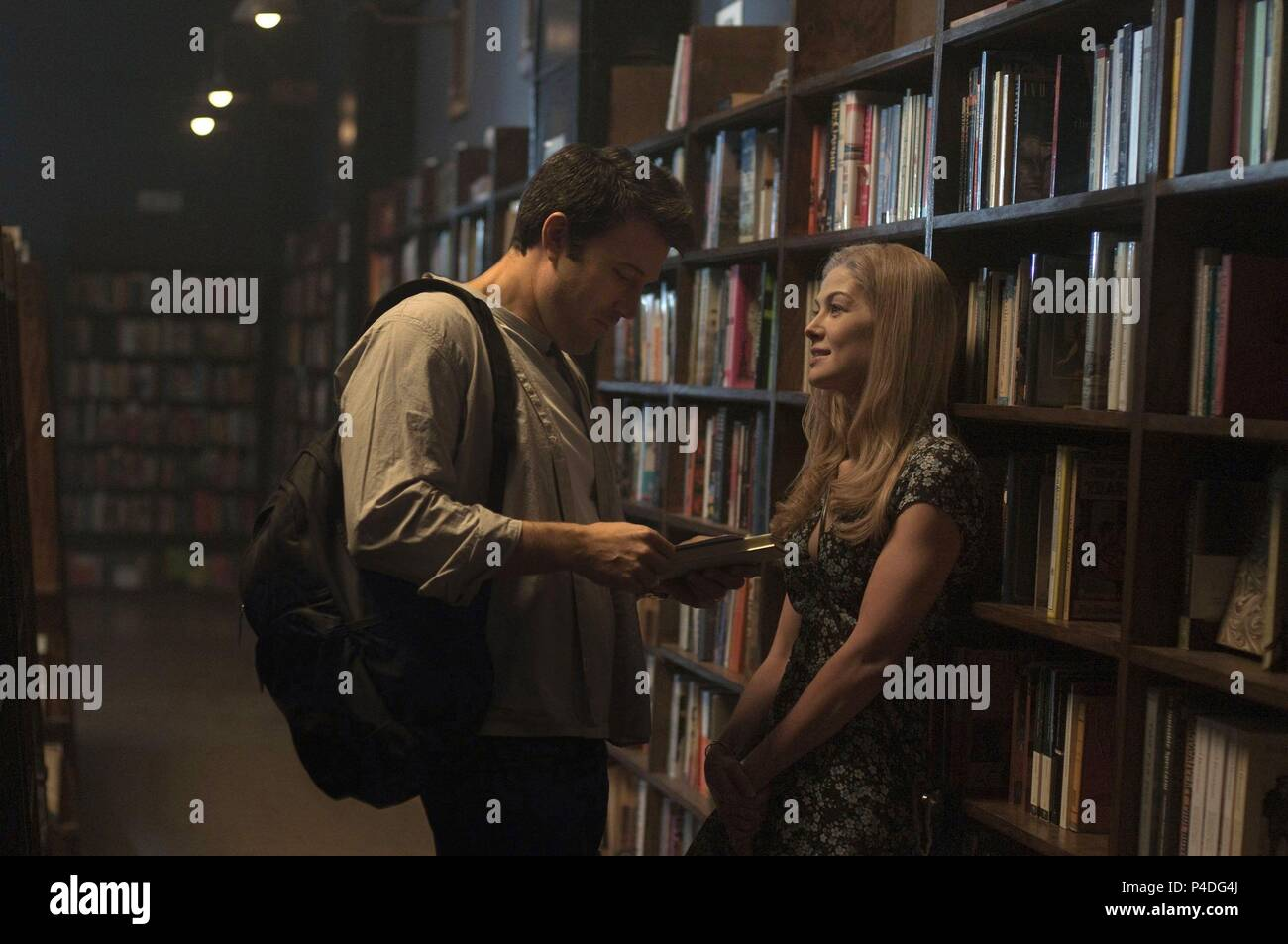 Original Film Title: GONE GIRL.  English Title: GONE GIRL.  Film Director: DAVID FINCHER.  Year: 2014.  Stars: BEN AFFLECK; ROSAMUND PIKE. Credit: NEW REGENCY PICTURES / Album - Stock Image