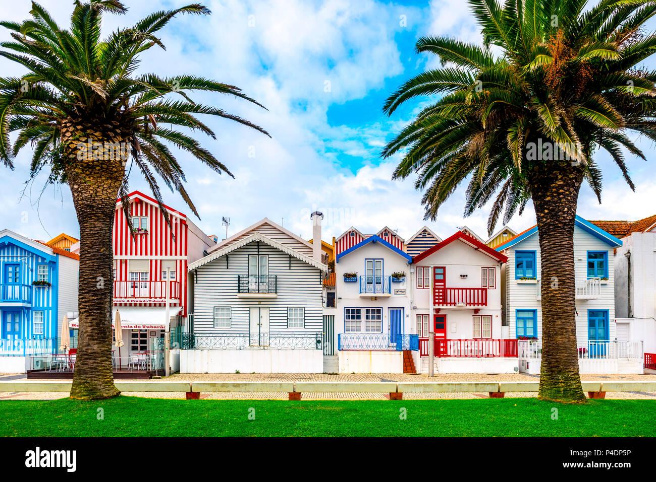 Europa, Portugal, Aveiro, Costa Nova, bunt, Häuser - Stock Image