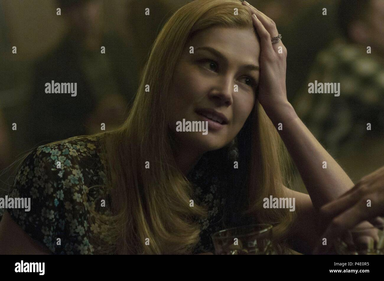 Original Film Title: GONE GIRL.  English Title: GONE GIRL.  Film Director: DAVID FINCHER.  Year: 2014.  Stars: ROSAMUND PIKE. Credit: NEW REGENCY PICTURES / Album - Stock Image