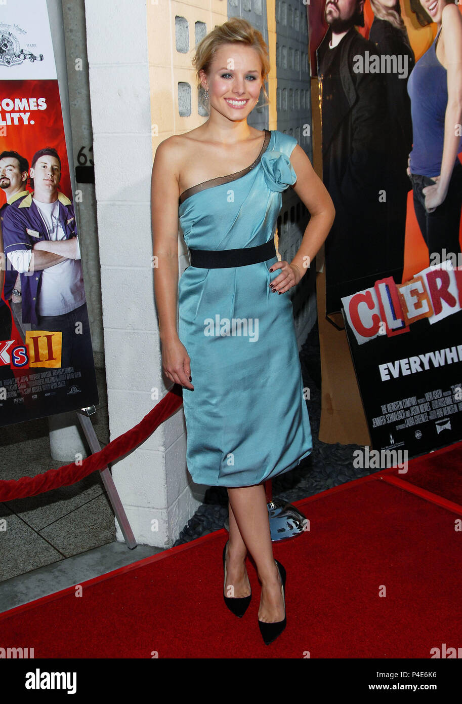 Kristin Bell arriving at the CLERK 2 Premiere at the Arclight Theatre  In Los Angeles. July 11,  2006. full fashion03_BellKristin08 Red Carpet Event, Vertical, USA, Film Industry, Celebrities,  Photography, Bestof, Arts Culture and Entertainment, Topix Celebrities fashion /  Vertical, Best of, Event in Hollywood Life - California,  Red Carpet and backstage, USA, Film Industry, Celebrities,  movie celebrities, TV celebrities, Music celebrities, Photography, Bestof, Arts Culture and Entertainment,  Topix, vertical, one person,, from the year , 2006, inquiry tsuni@Gamma-USA.com Fashion - Full Len - Stock Image