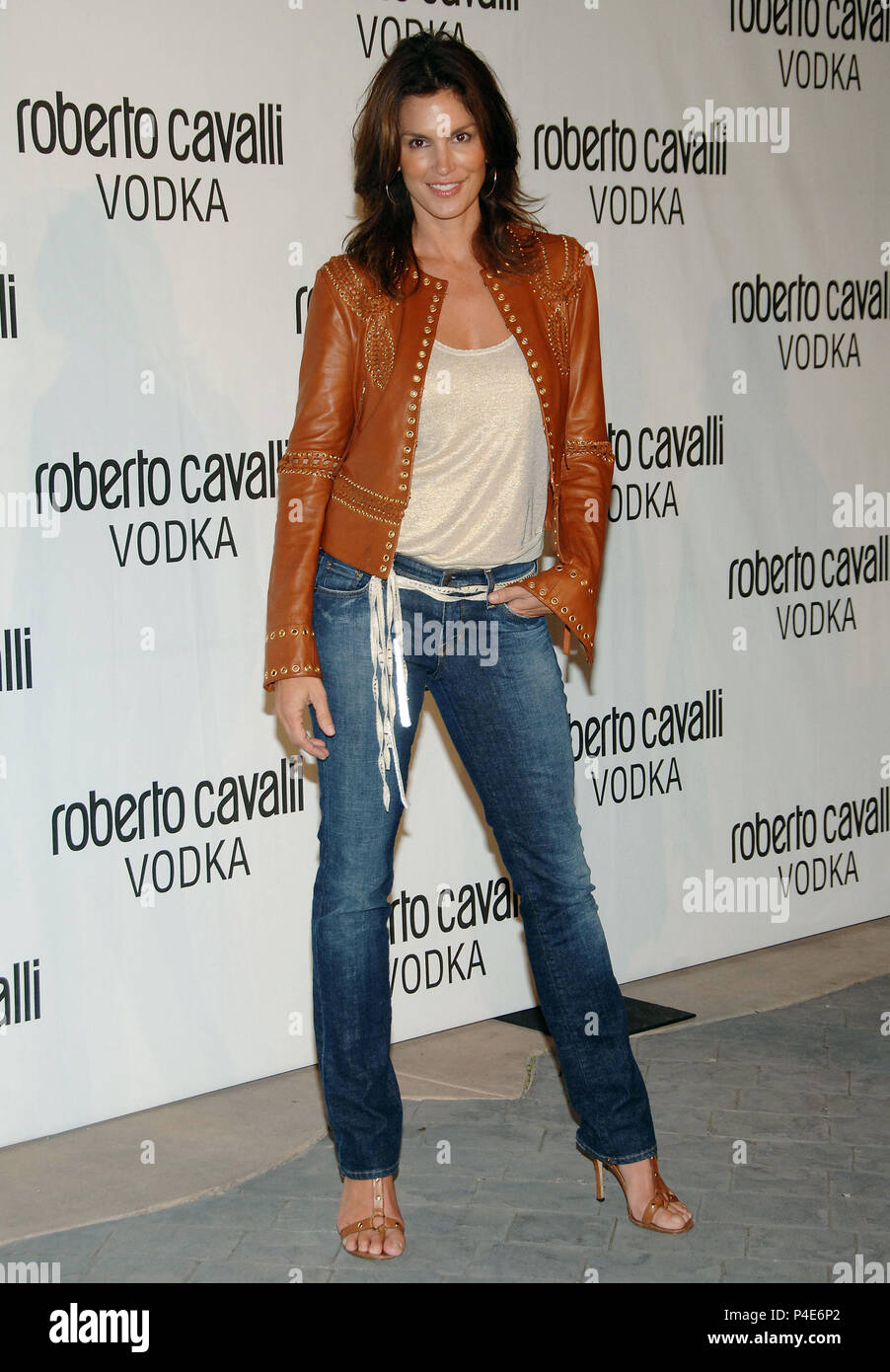 Cindy Crawford arriving at the Roberto Cavalli Vodka Launch Party In Beverly Hills Los Angeles. May 11, 2006.03_CrawfordCindy026 Red Carpet Event, Vertical, USA, Film Industry, Celebrities,  Photography, Bestof, Arts Culture and Entertainment, Topix Celebrities fashion /  Vertical, Best of, Event in Hollywood Life - California,  Red Carpet and backstage, USA, Film Industry, Celebrities,  movie celebrities, TV celebrities, Music celebrities, Photography, Bestof, Arts Culture and Entertainment,  Topix, vertical, one person,, from the year , 2006, inquiry tsuni@Gamma-USA.com Fashion - Full Length - Stock Image