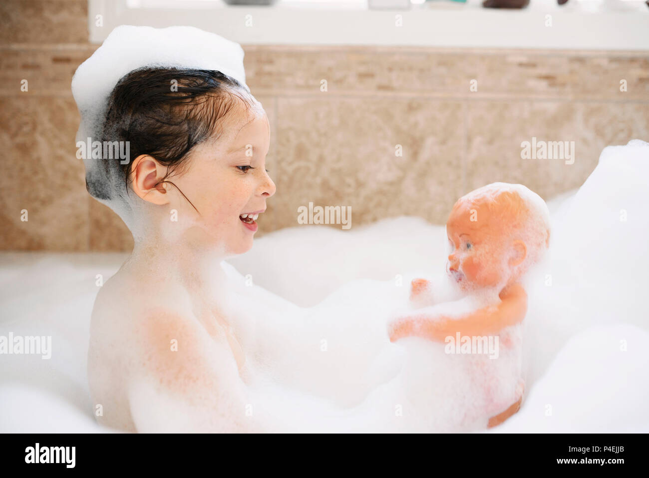 mature-picture-of-girl-in-bubble-bath-cheerleader