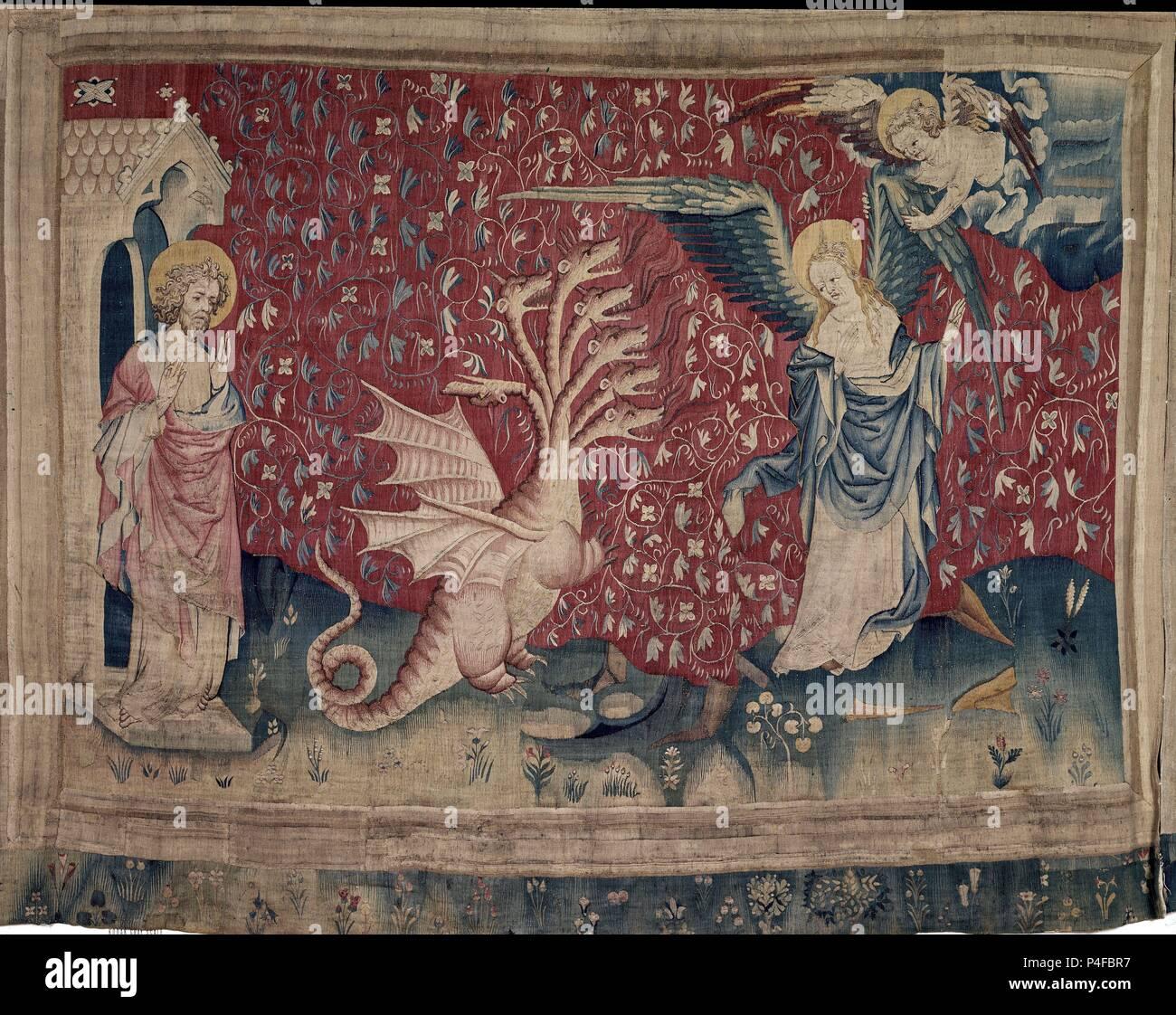 TAPIZ DEL APOCALIPSIS-LA MUJER RECIBE ALAS PARA ESCAPAR DEL DRAGON-(carton  de Jean de Bruges)-S XIV. Location: CASTILLO, ANGERS, FRANCE Stock Photo -  Alamy