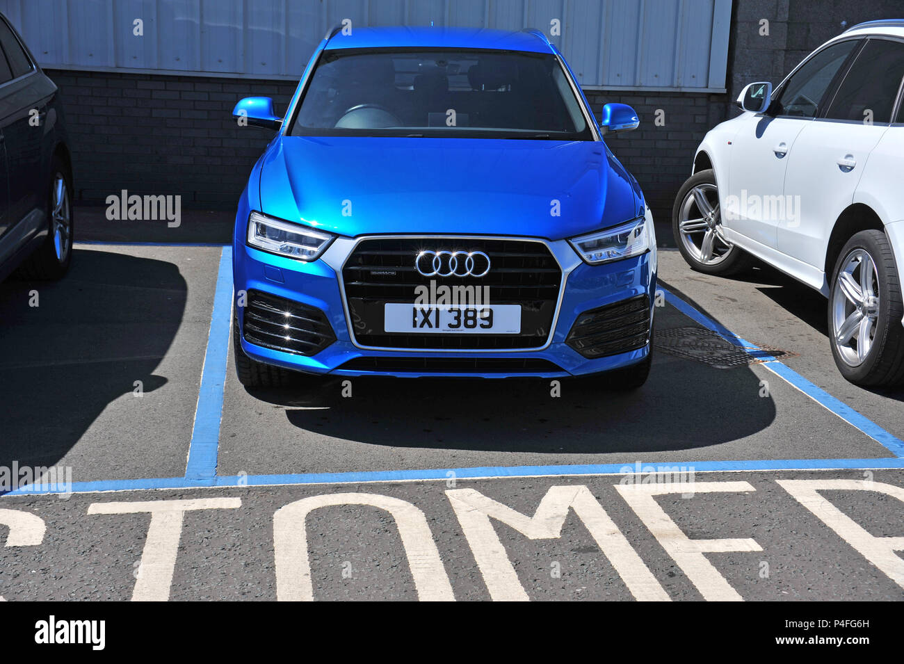 Blue Audi High Resolution Stock Photography And Images Alamy