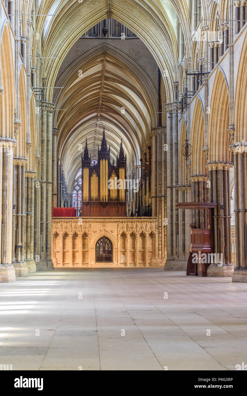 Lincoln, England. 21 June 2018. Lincoln cathedral nave is cleared on 21 st June 2018 of lighting, chairs and artwork in preparation for the filming of 'The King', produced by Brad Pitt. Credit: Michael Foley/Alamy Live News Stock Photo