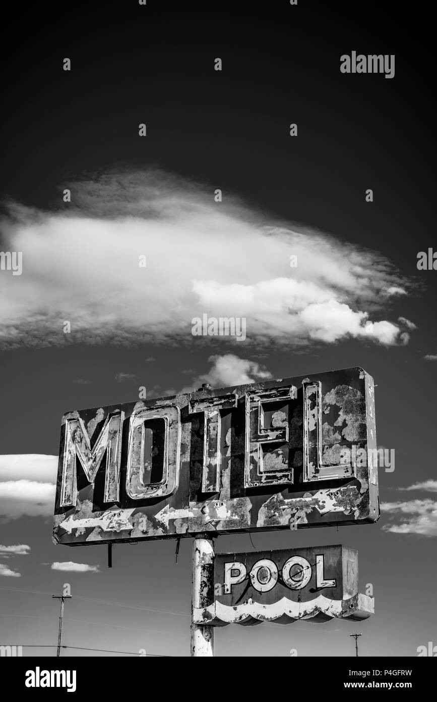 A dilapidated, classic, vintage motel sign in the desert of Arizona - Stock Image