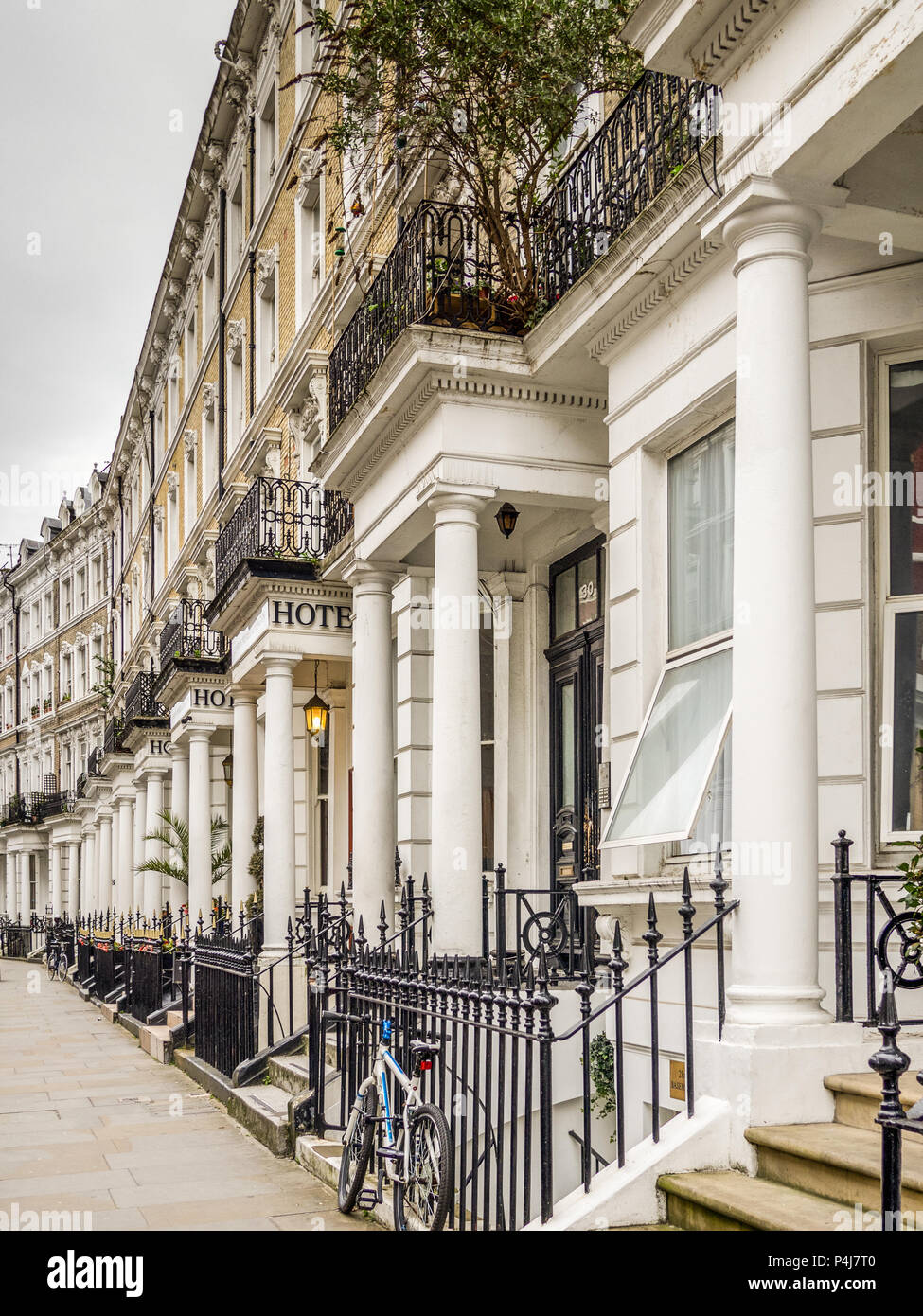 Hotel townhouses in Kensington, London, England, UK> - Stock Image