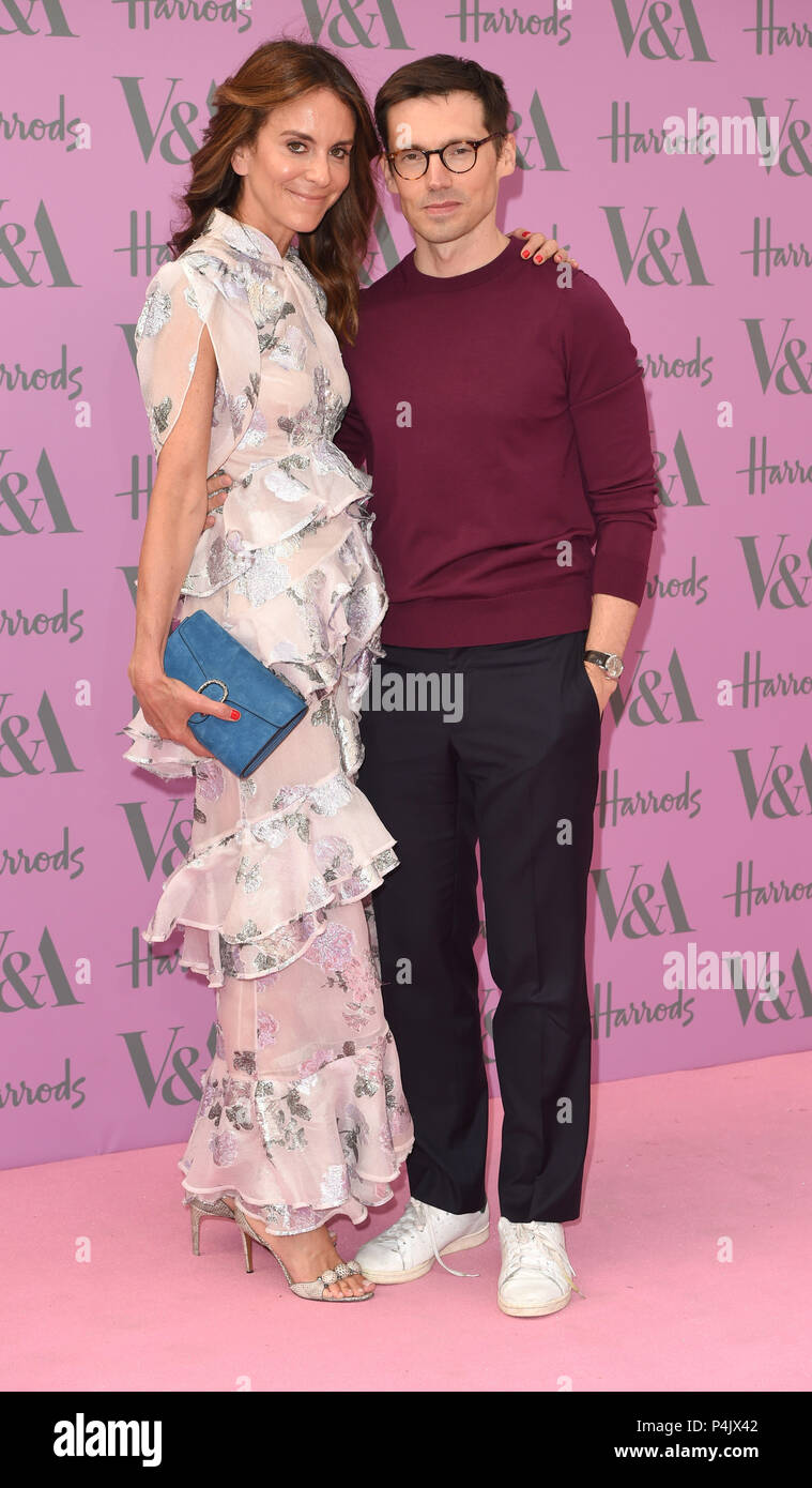 Photo Must Be Credited ©Alpha Press 079965 20/06/2018 Alison Loehnis and Erdem Moralioglu V&A Summer Party 2018 In London - Stock Image