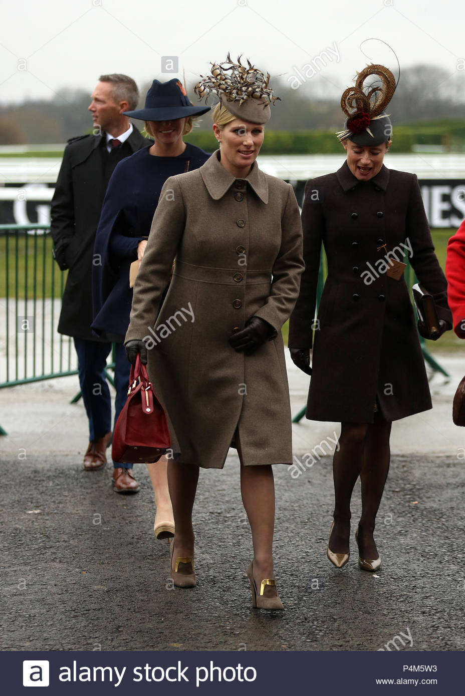 Fashion week Gold cheltenham cup day what to wear for girls