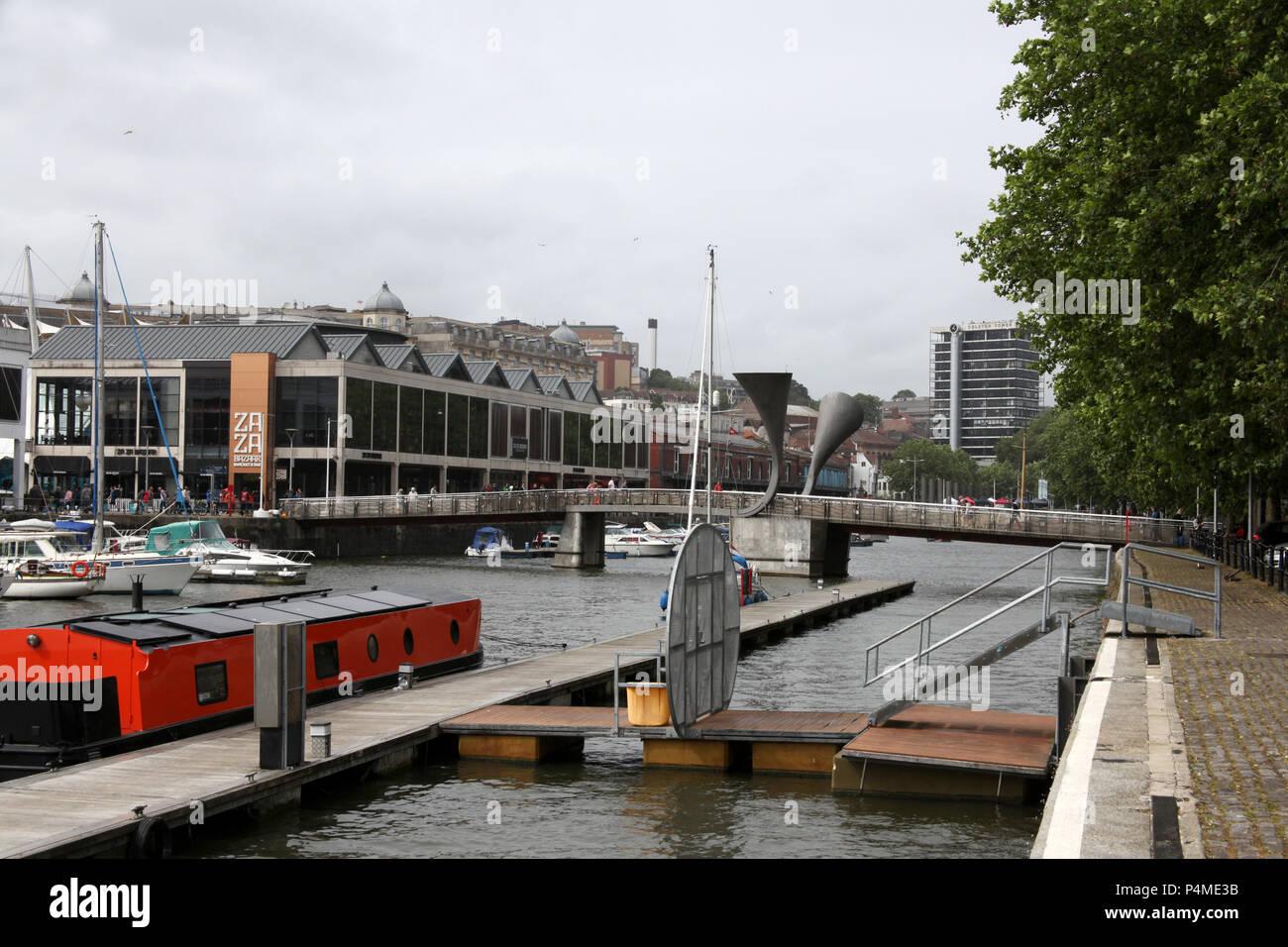 Harbourside and Pero's Bridge in Bristol, England. - Stock Image