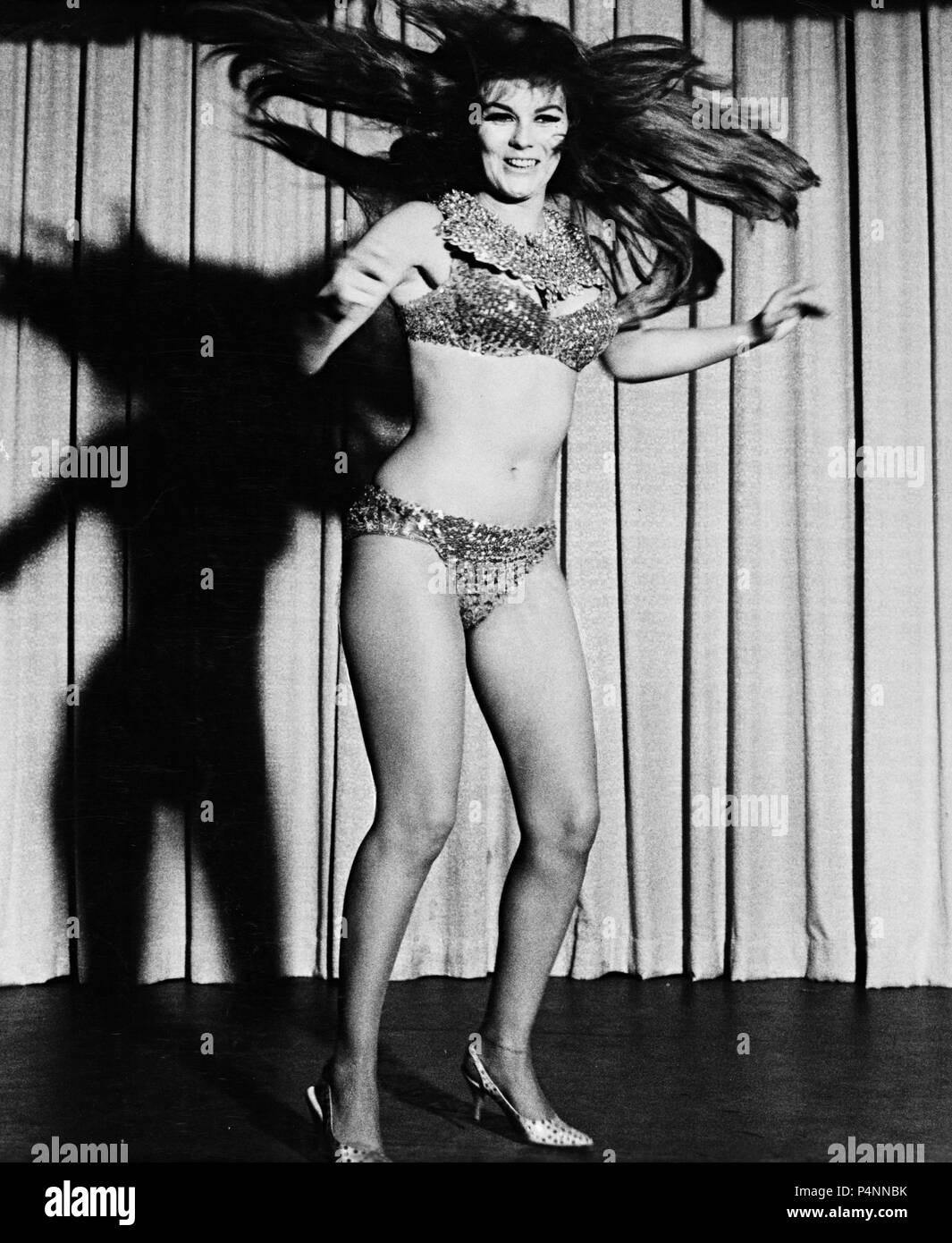 Ann margaret swinger