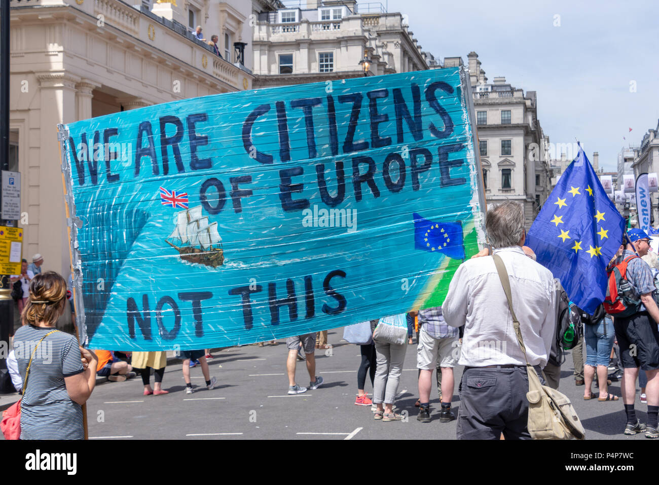 London, UK. 23 Jun, 2018: Demonstrators take part in the people's vote march held in London in favour of a meaningful vote on the final Brexit deal between the UK government and the European Union. Credit: Bradley Smith/Alamy Live News. - Stock Image