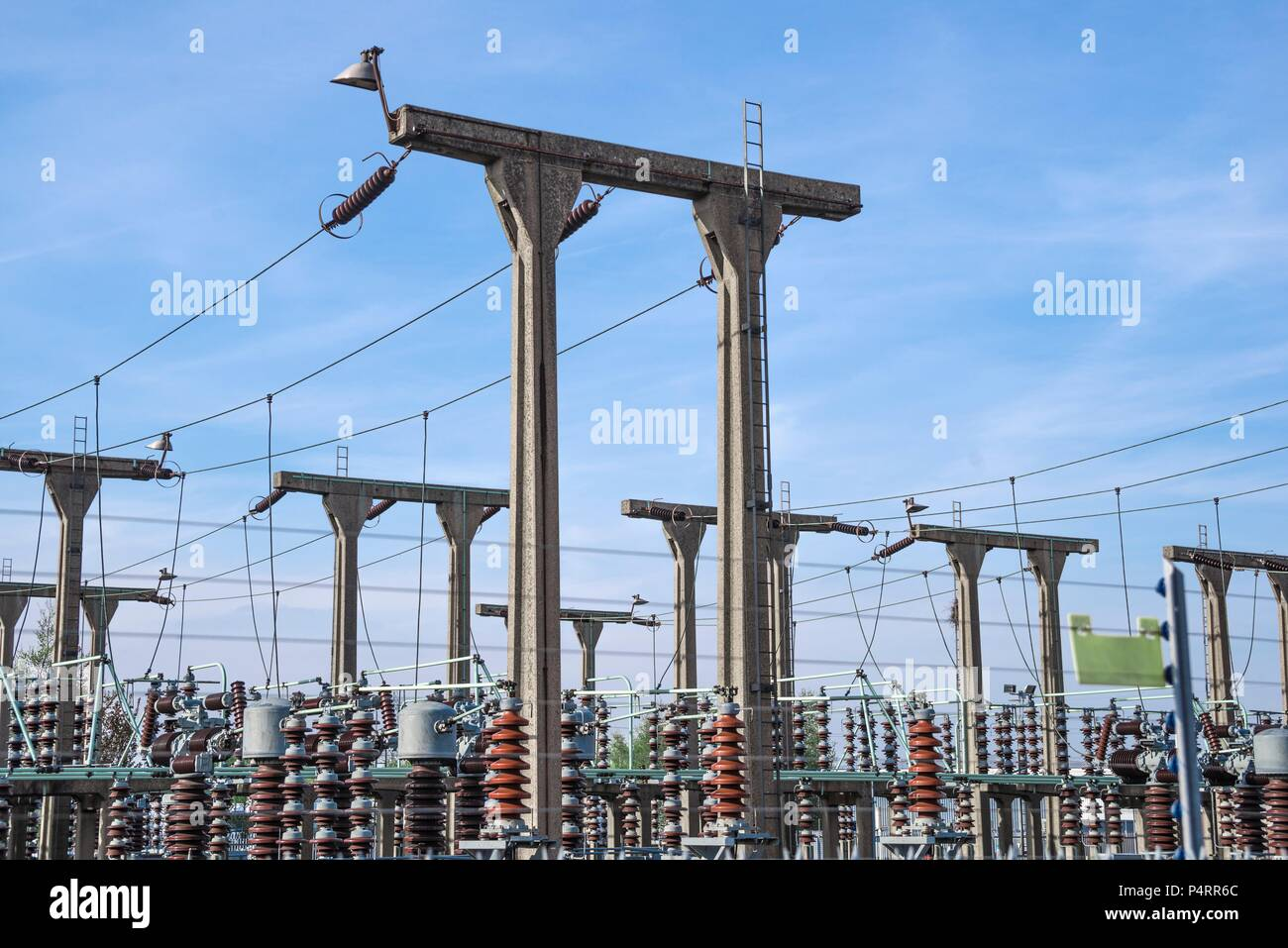 Industry Installation Stock Photos Midland Wiring Harness Electricity Generating Substation In The West Midlands Uk Image